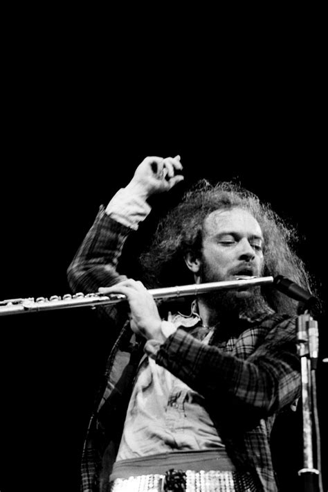 JETHRO TULL : Hypocrisy, Now There is Something that We