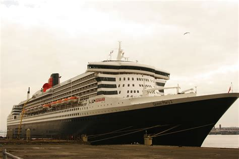 Queen Mary 2 in Liverpool | briansimpsons