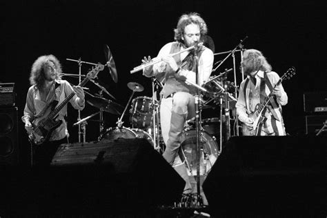 Jethro Tull Extend 50th Anniversary Tour Into 2019 With