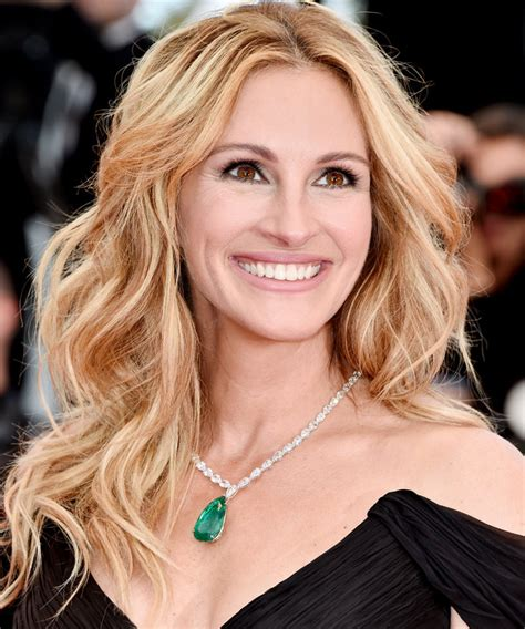 Here's How to Get Julia Roberts' Beyond-Gorgeous Makeup at
