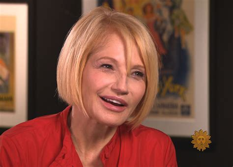Ellen Barkin: Enjoying her third act - CBS News