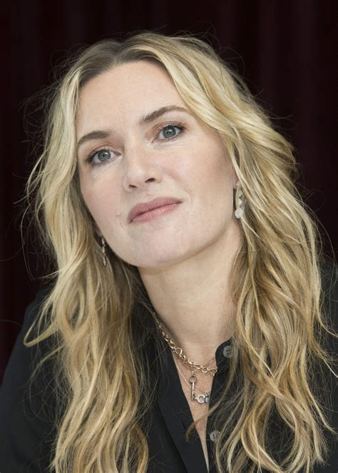 "Kate Winslet - ""The Mountain Between Us"" PhotoCall in"