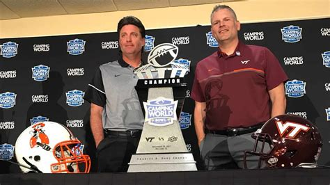 Gundy, Fuente Hold Camping World Coaches' News Conference