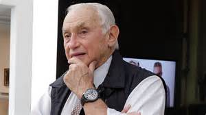 Les Wexner, Victoria's Secret Owner, Is in Talks to Step