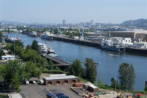 File:View from the University of Portland-1
