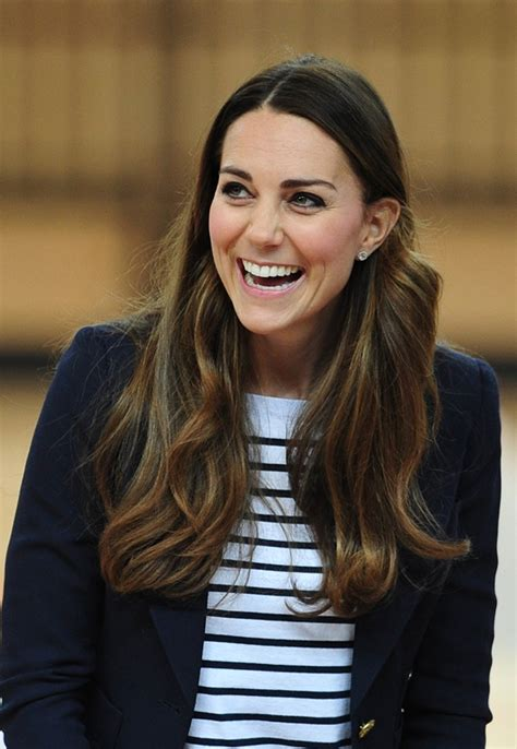 Princess Catherine plays volleyball in wedge heels|Lainey